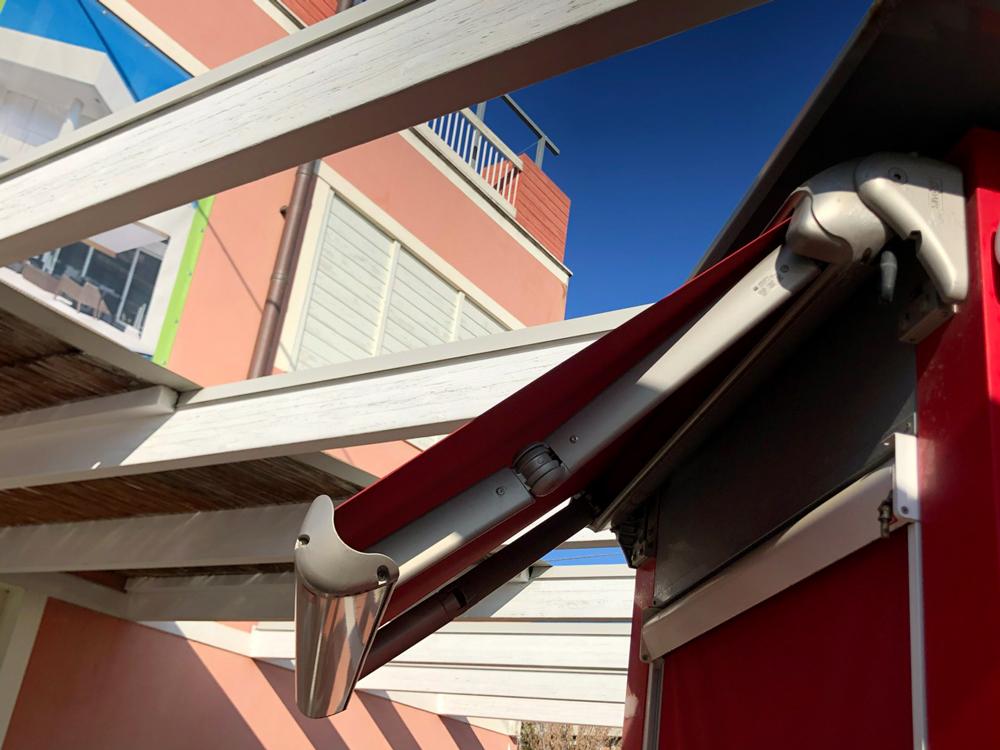 Tende Per Pergolati In Legno Prezzi : Progetto verde rimini santarcangelo camini caminetti stufe